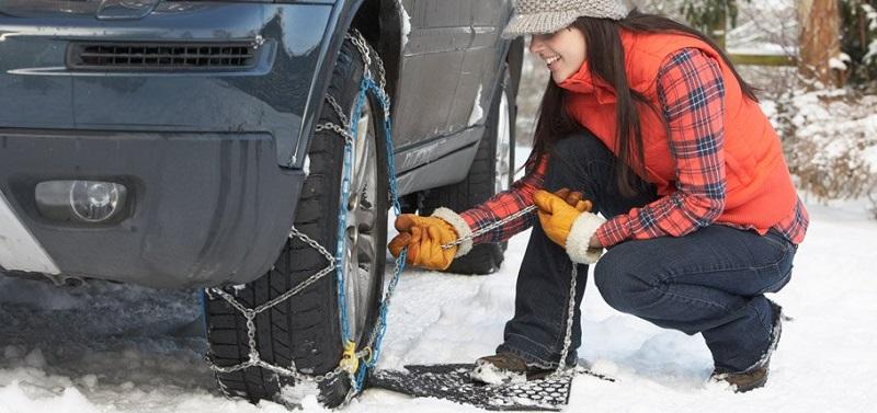 verige za sneg se med seboj razlikujejo po materialu